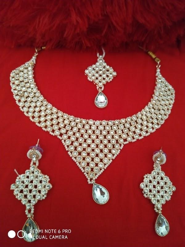 Trending Latest Metal Jewellery set .