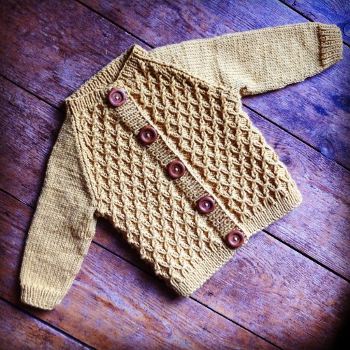 Carl's Cardigan - Knitting Pattern