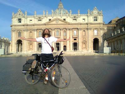 borse per bicicletta. tour in bici sulla via francigena