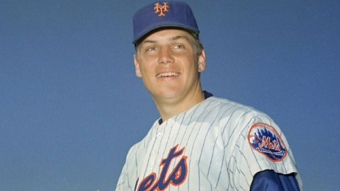 Tom Seaver, the thrower who led the Miracle Mets to glory, has died at the age of 75