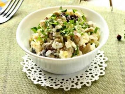 «Вечерний» рисовый салат с курицей и шампиньонами