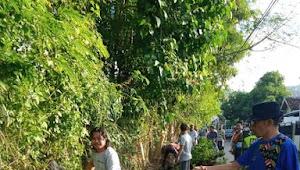 Lurah Ule Ajak Warga Bergotong Royong Bersihkan Lingkungan