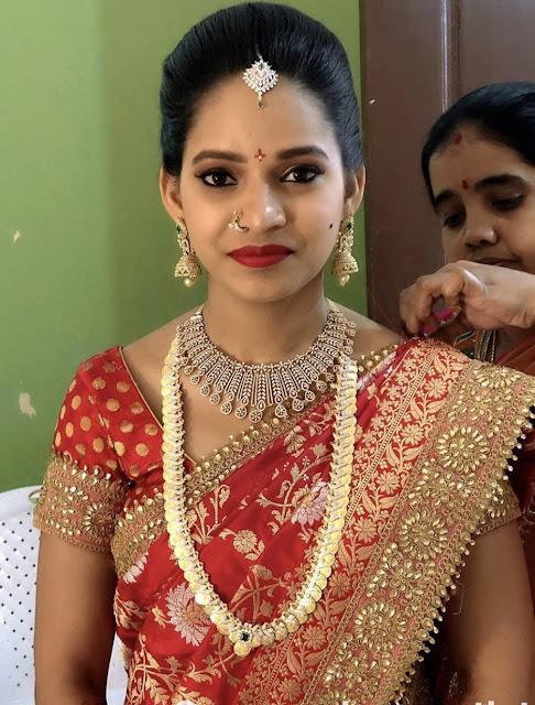 Bride in Kasu Mala Diamond Choker