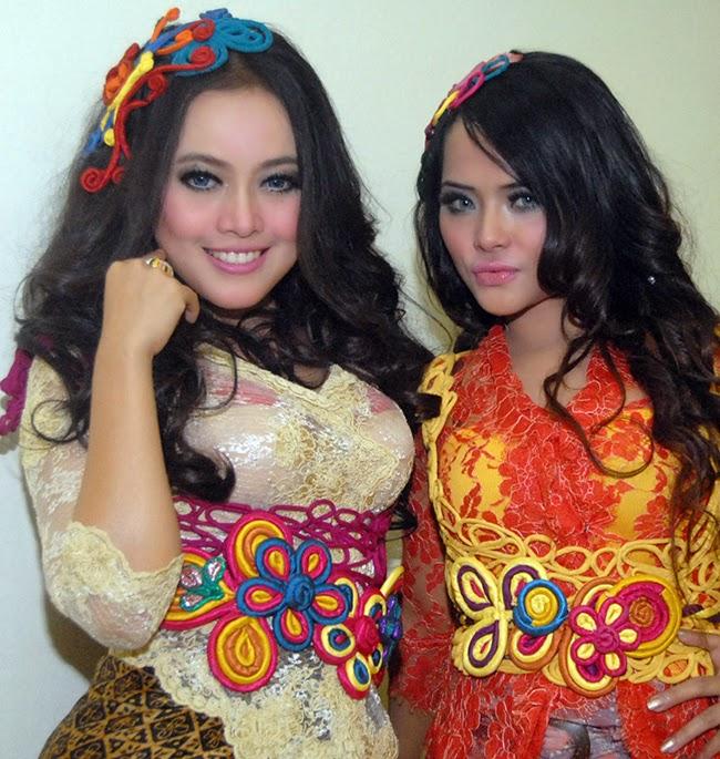 Foto Cantik Duo Sabun Colek Terbaru