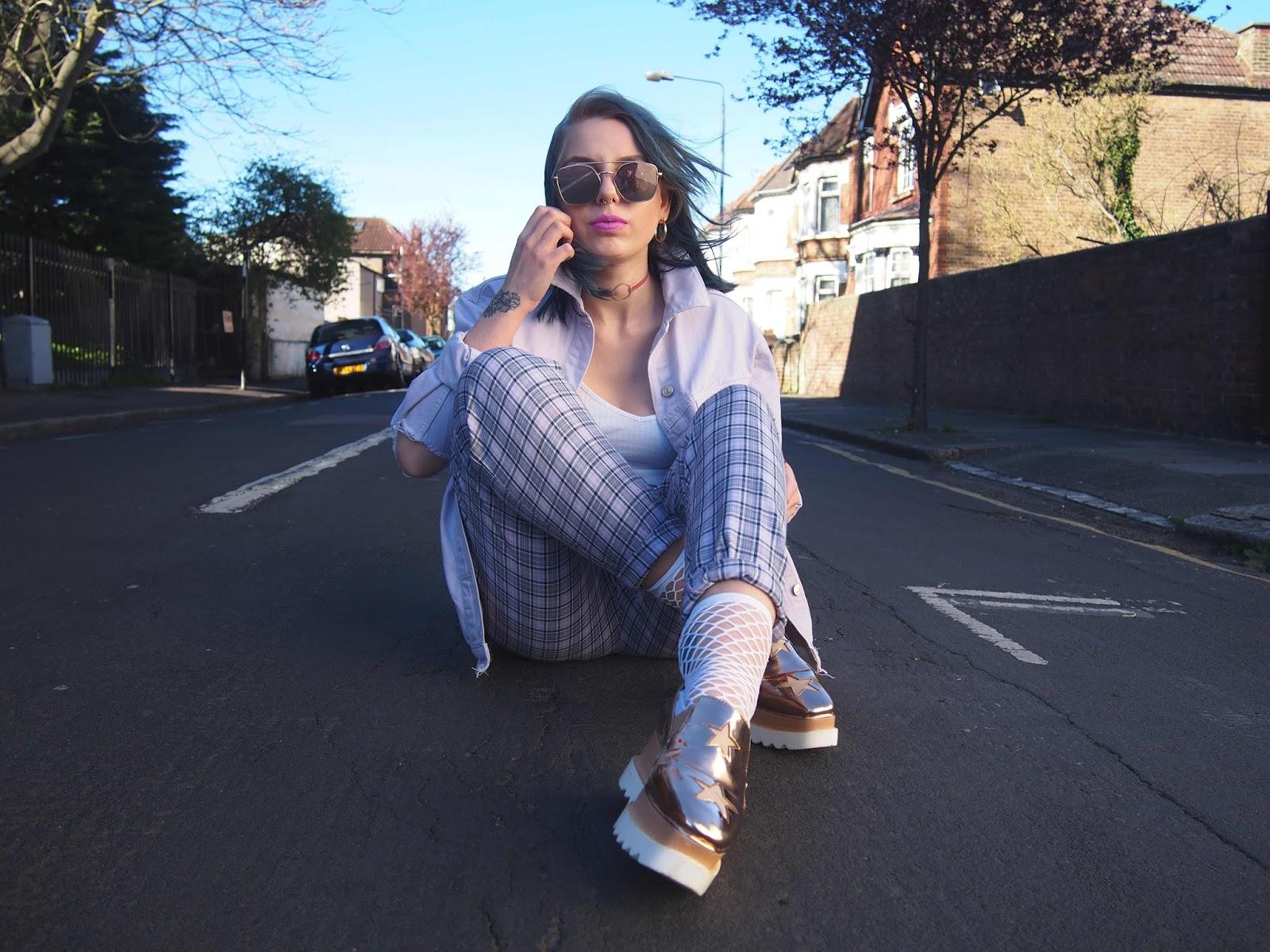 pastel outfit, pastel denim jacket, lilac denim jacket, spring outfit ideas, fashion trend 2017, 2017 ss fashion trend
