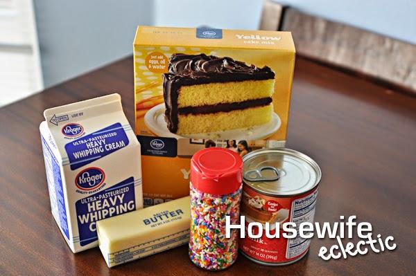 No Churn Cake Batter Ice Cream   HousewifeEclectic.com