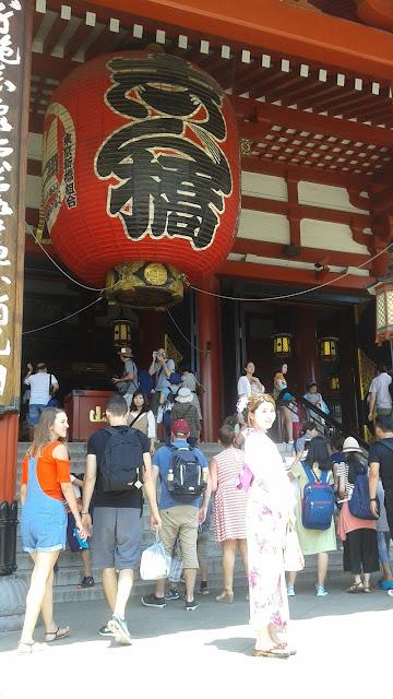 Entrada al Templo de Senso-ji con su famosa linterna