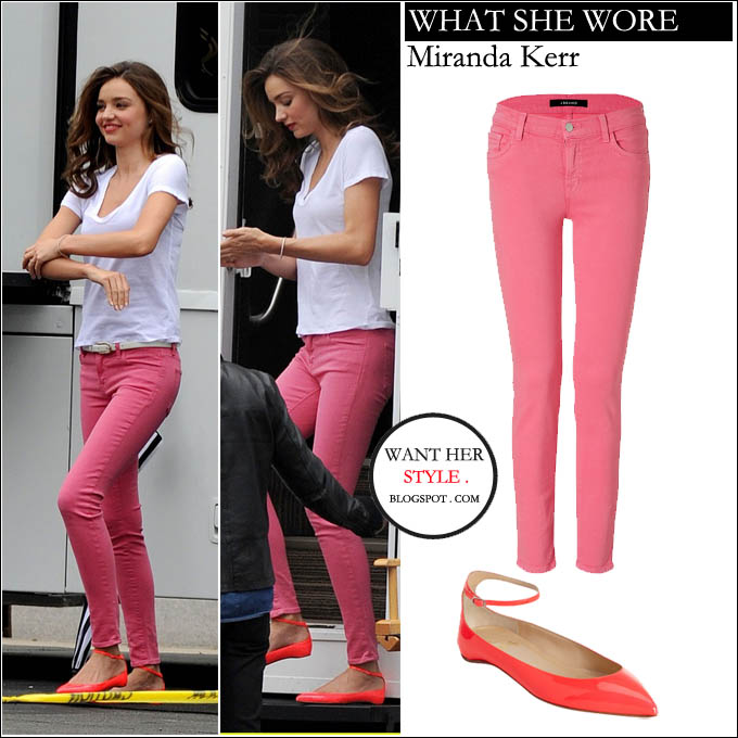 WHAT SHE WORE: Miranda Kerr in hot pink skinny jeans and ...