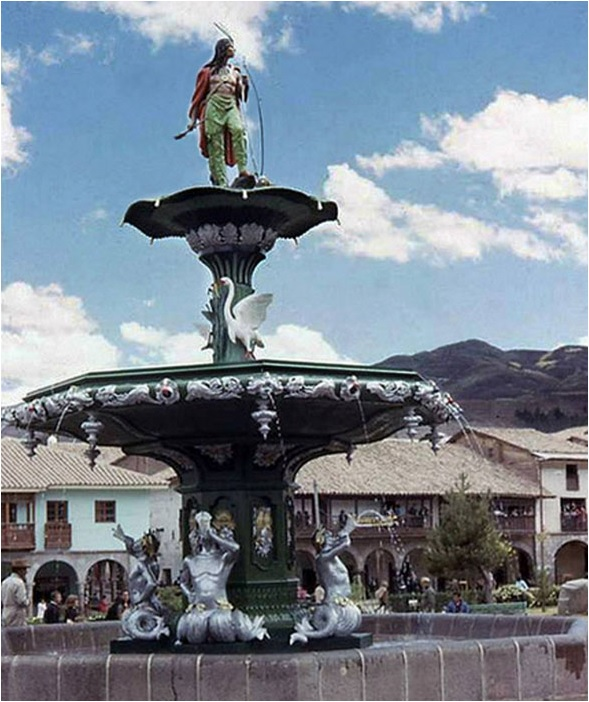El Apache De La Pileta De La Plaza De Armas Del Cusco