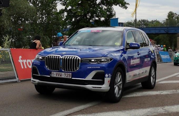 BMW X7, SUV yang Rasanya Seperti Sedan Seri 7