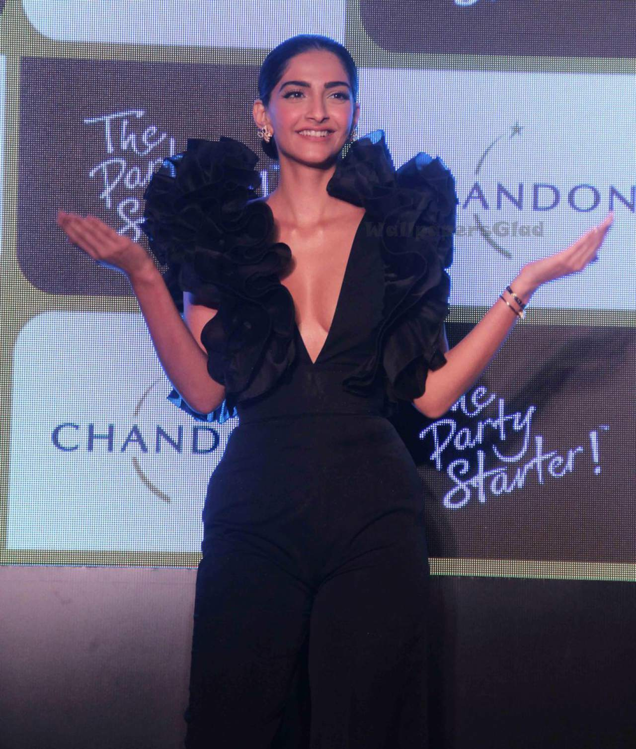 Sonam Kapoor Sexiest Boobs Show At Chandons The Party -7761