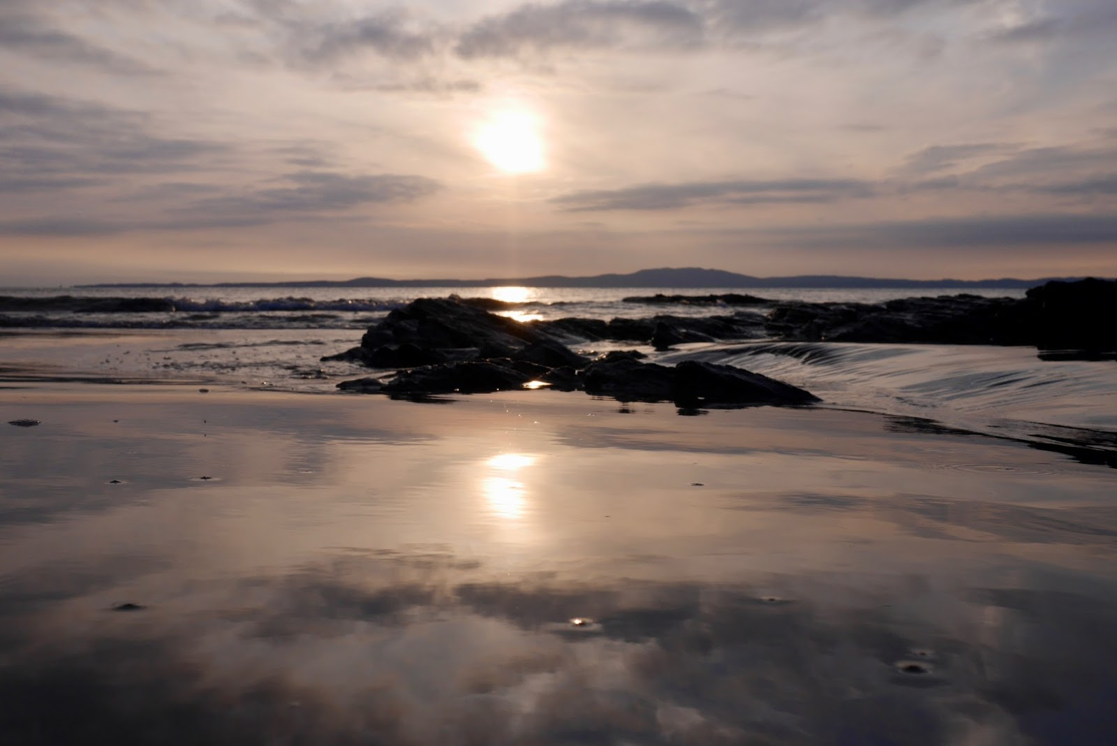 Sunset on the beaches of Islay, www.CalMCTravels.com, The best campsites in Scotland