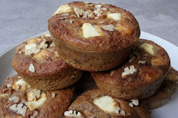 Easy Keto Pecan Cheesecake Muffins