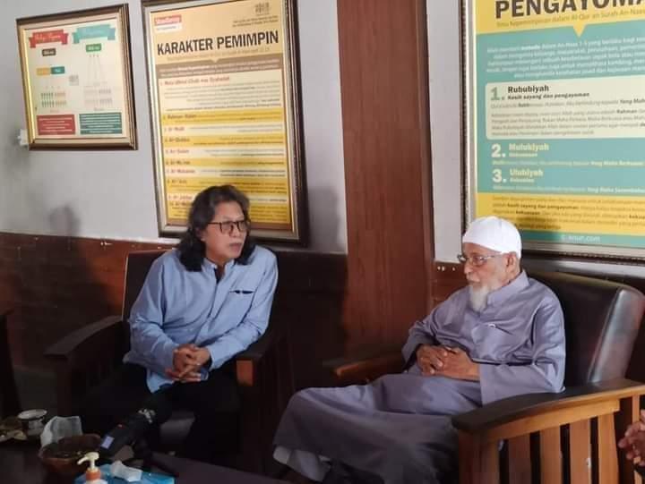 Ust. Abu Bakar Ba'syir Kunjungi Cak Nun Bahas Kondisi Ummat