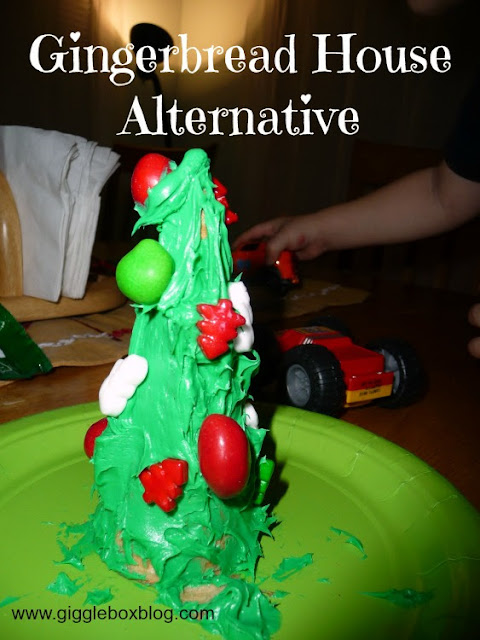 make an edible Christmas tree as an easy alternative to a gingerbread house, Christmas fun with kids,