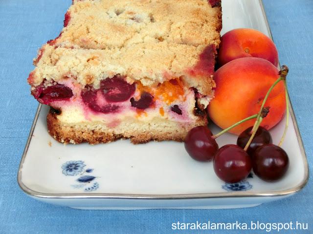 пирог со свежими абрикосами и вишней