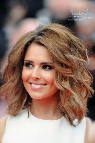 snygga frisyrer axellångt hår