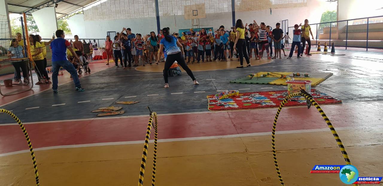 """Alunos do Programa de Atendimento Educacional Especializado (AEE) da Escola Dom Floriano em Óbidos participaram das atividades do projeto """"Brincadeira Inclusiva""""."""