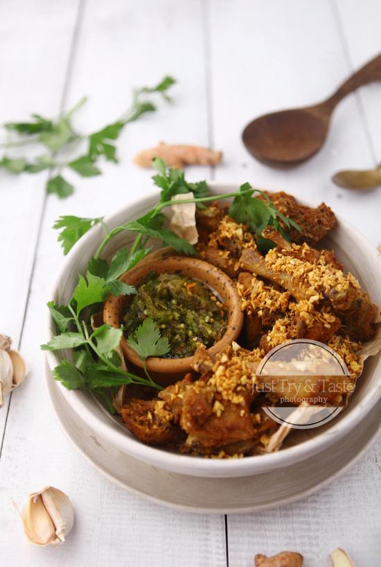 Resep Ayam Kampung Goreng Bumbu Kuning dengan Sambal Cabai Ijo