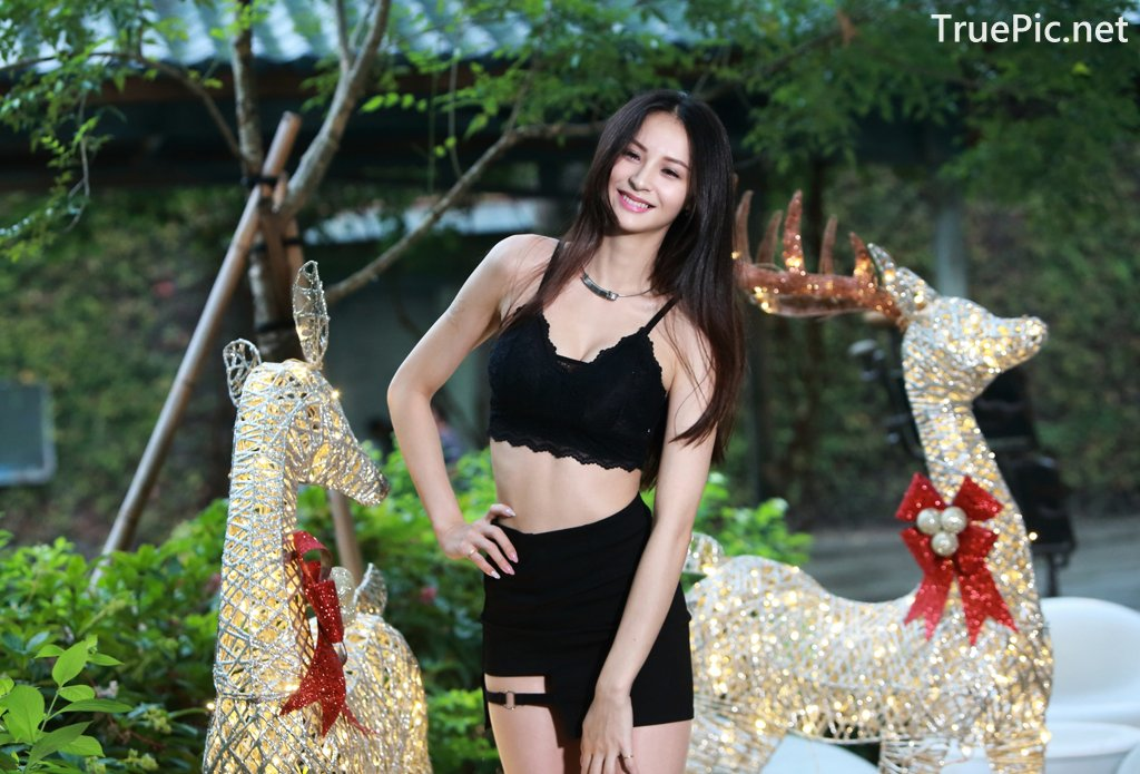 Image-Taiwanese-Beautiful-Long-Legs-Girl-雪岑Lola-Black-Sexy-Short-Pants-and-Crop-Top-Outfit-TruePic.net- Picture-68