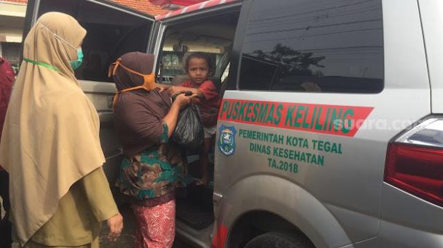 Kisah Bocah 3 Tahun di Tegal Gemar Makan Tanah dan Tembok, Kini Dibawa ke Rumah Sakit