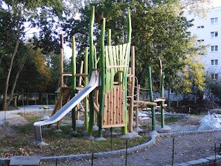 Baumaßnahmen für einen neuen Spielplatz