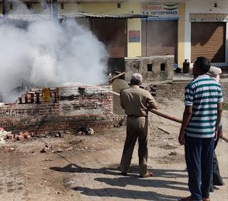 सिपाह पड़ाव के पास शार्ट—सर्किट से ट्रांसफार्मर जला | #NayaSabera