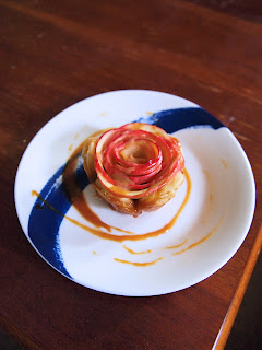 Salted Caramel Mini Apple Pie Roses