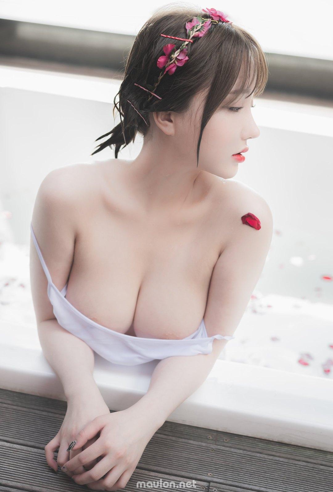 MauLon.Net - Ảnh sex Thấy em tắm anh thèm lắm
