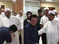 VIDEO: Ustaz Yusuf Mansur Mau Cium Tangan Habib Rizieq tapi Ditolak. Adem Liat Sikap Ramah Habib