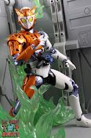 S.H. Figuarts Kamen Rider Valkyrie Rushing Cheetah 21