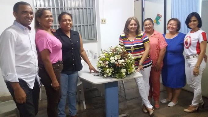 CAXIAS: Secretaria de Educação confraterniza com educadores o dia de Reis