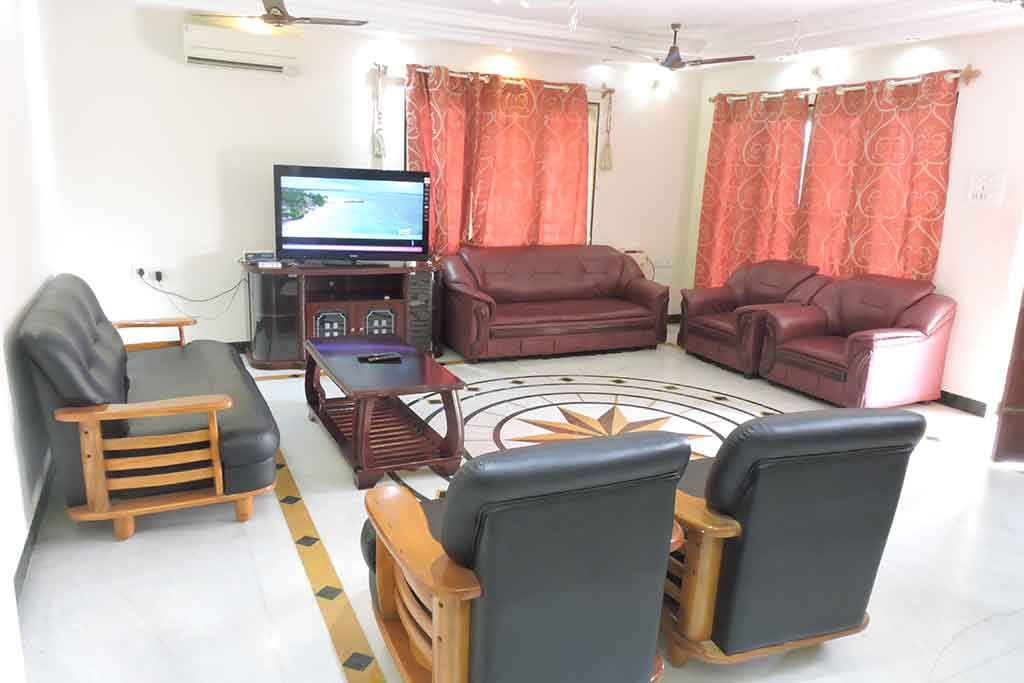resorts for couples in ecr