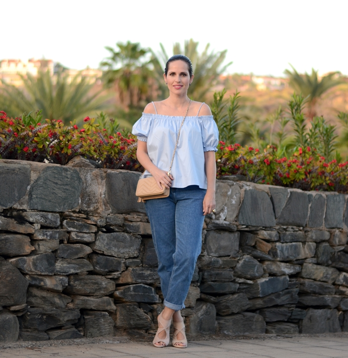h&m-top-with-mom-jeans-outfit-street-style