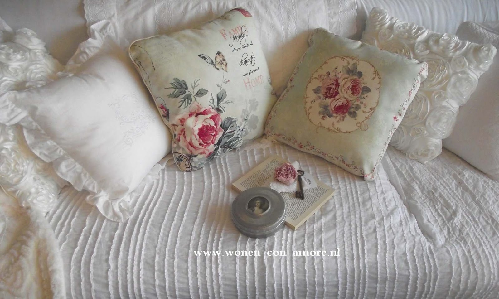 Shabby chic con amore casa shabby chic come rendere for Cuscini shabby chic on line