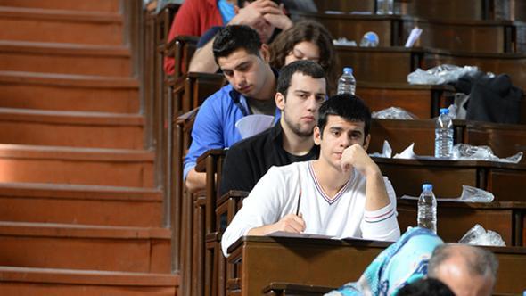 YKS'de Sürekli Kural Değişikliğinin Olması Öğrencileri Strese Sokuyor