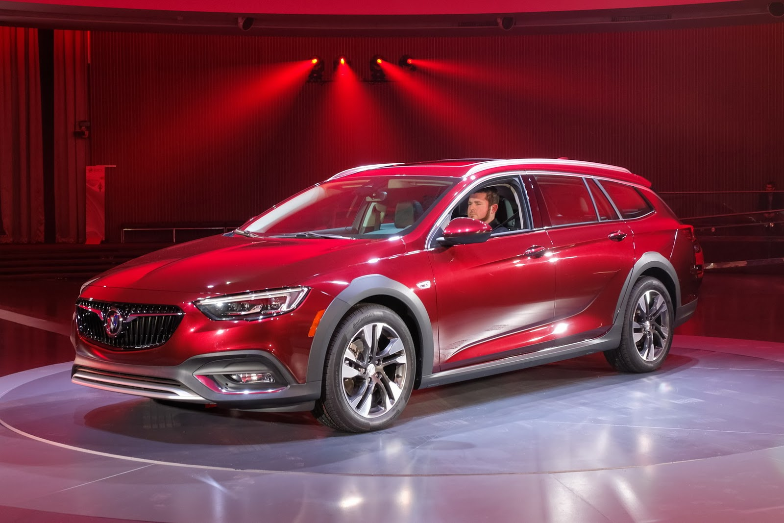 new buick regal will get v6 powered version. Black Bedroom Furniture Sets. Home Design Ideas