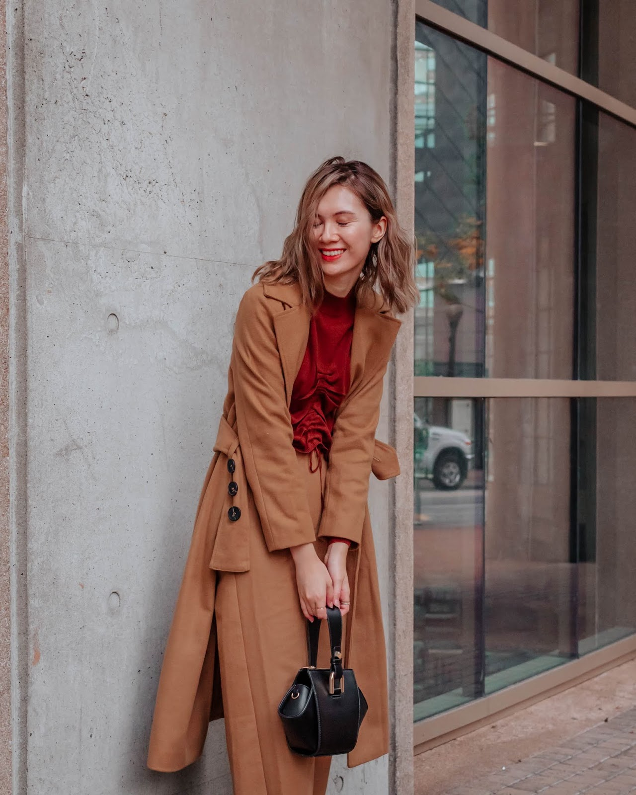 Camel tones, vancouver blogger, fall trends, fall 2018 trends, camel coat, cozy outfit for winter, fall outfit, fall style, canadian style, canadian fashion blogger, mango, les dantes purse, chriselle lim collaction,  cropped sweater