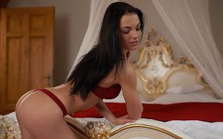 Horny and twerking - Sapphira%2BA-S02-013.jpg