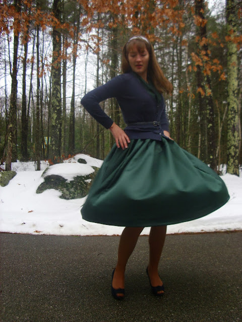 Christmas outfit full skirt green blue cardigan vintage
