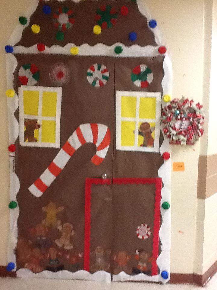 Creativity is ContagiousPass it On Christmas Door Decorbetter late than never