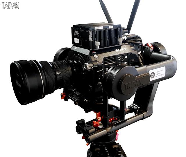 Il prototipo del Taipan G88 configurato con la camera Sony FS7 e l'obiettivo Nikon 14-24mm f 2,8, come  è stato descritto nell'intervista da Emanuele Chiocchio