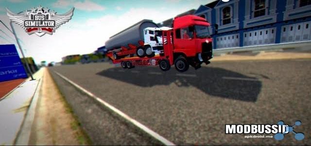 Truck UD Quester self Angkut Fuso Crash