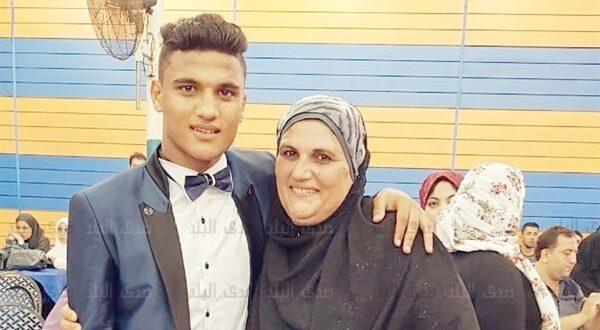لاعب منتخب مصر ونادي الزمالك اسامه فيصل - الرأس الذهبية