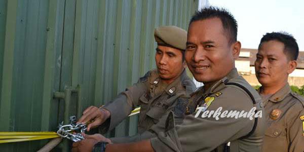 Mega Proyek PLTU Cirebon di Segel Satpol PP