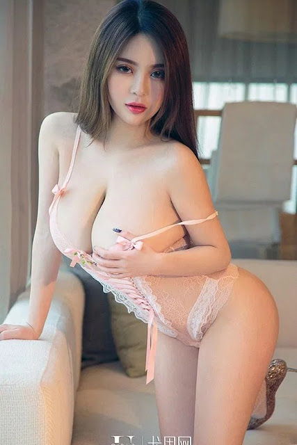 Hot and sexy booty photos of beautiful busty asian hottie chick Chinese babe model Coco Mao photo highlights on Pinays Finest Sexy Nude Photo Collection site.