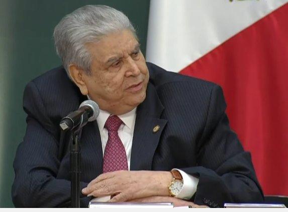 Con todo el cinismo, dirigente de la CTM presumió su reloj de 408 mil pesos mientras apoyaba el gasolinazo
