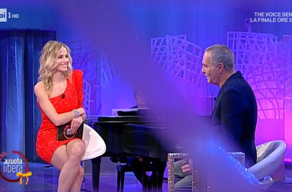 gambe conduttrice televisiva Francesca Fialdini