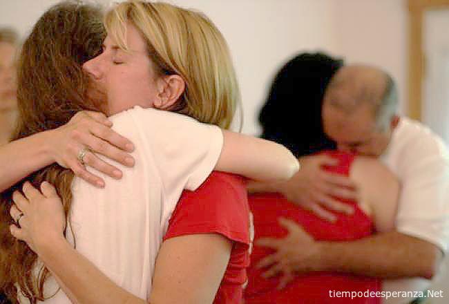 perdonándose unos a otros en familia
