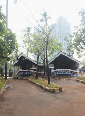Cottage berbentuk perahu yang ada di Putri Duyung Ancol